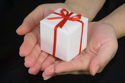 https://www.wholelivingsolutions.com/wp-content/uploads/2020/06/gift.jpg